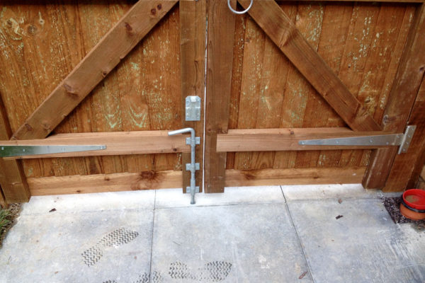 CLOSEBOARD GATE BOLT
