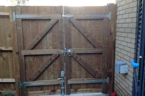 CLOSEBOARD GATE REAR