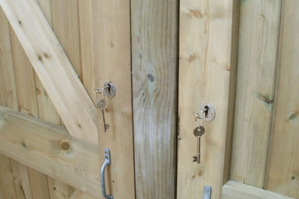 DOUBLE CLOSEBOARD GARDEN GATES LOCK