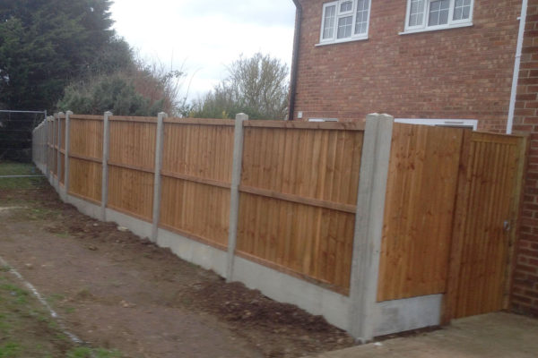 CLOSEBOARD PANEL FENCE FRONT WITH GATE