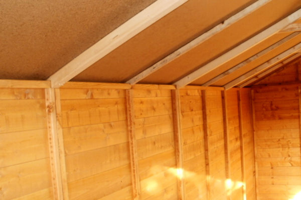 GARDEN SHED INSIDE ROOF